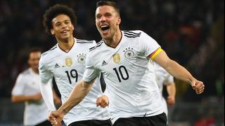 Podolski trifft zum 1:0 gegen England