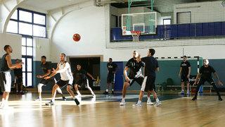 Was Fußballer von Basketballern lernen können!