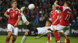1:1 in Dänemark: Kimmich rettet Remis mit Fallrückzieher