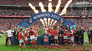 Özil mit Arsenal Rekordsieger im FA Cup