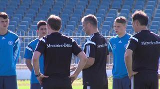 U 17-Junioren vor dem Spiel gegen Slowenien