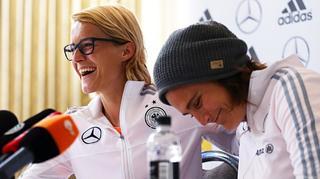 Highlights der PK mit Nadine Angerer und Saskia Bartusiak