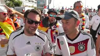 Impressionen vom Fan Walk in Marseille  – ein Film von Brass/Illner