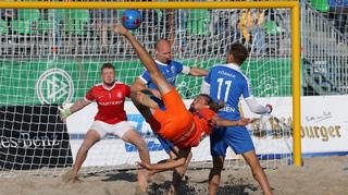 Tag 1 der Beachsoccer-Meisterschaft in Warnemünde