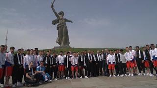 U 18 besucht Gedenkstätte in Wolgograd
