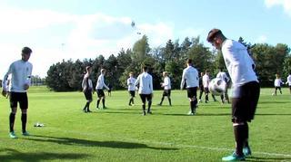 U 17-Junioren vor dem letzten Gruppenspiel gegen Spanien