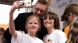 DFB-Delegation besucht die Deutsche Schule Moskau