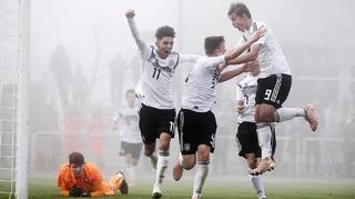 U 16-Junioren siegen 7:0 gegen Tschechien