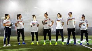 Voller Vorfreude: WM-Heimtrikot der DFB-Frauen vorgestellt