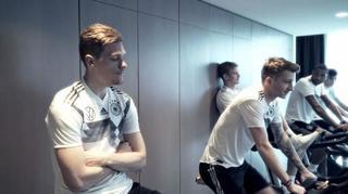 Regenerationstraining nach dem Spiel gegen Serbien