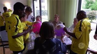 Fußball verbindet – Alsdorfer Kids treffen Senioren