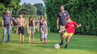 U21 #HERZZEIGEN mit krebskranken Kindern beim Fußball-Golf!
