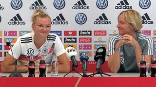 Abschluss-PK mit Martina Voss-Tecklenburg und Alexandra Popp