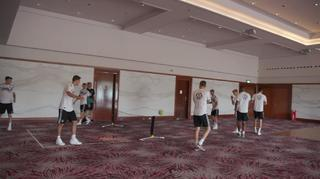 Fußballtennis im Hotel
