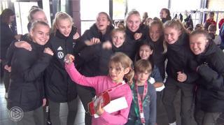 U 15-Juniorinnen: Schulbesuch in der Schweiz