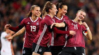 DFB-Frauen siegen vor Traumkulisse in Wembley