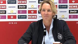 Pressekonferenz nach dem Spiel gegen Serbien