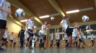 DFB-Talentförderprogramm: Balltechnik fürs Aufwärmen und Eigentraining II