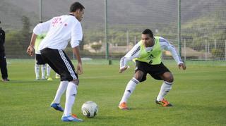 Training des defensiven 1 gegen 1 im Stationsbetrieb