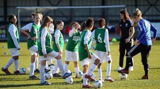 Der Mädchenfußball: Eine Chance für die Vereine