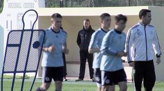 Flick, Sorg und Forsythe besuchen Junioren-Trainingslager