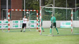 Kopfball-Wettkampf-Rundlauf