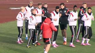 U 19-Junioren vor dem Spiel gegen Lettland