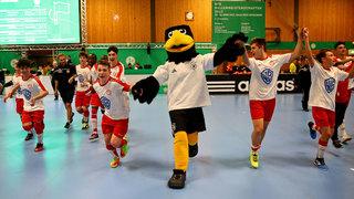 Fortuna Köln und Schalke 04 jubeln in der Halle