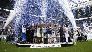 Party an der Wedau: Duisburg feiert die Meisterschaft
