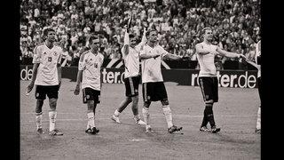 Zehn Jahre Fan Club - Horst Hamann zeigt Bilder der Nationalmannschaft