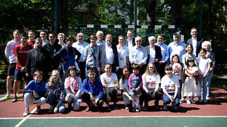 DFB-Delegation besucht Kinderheim Don Bosco
