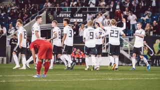 Deutschland gewinnt 2:1 gegen Peru