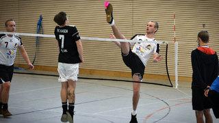 Badminton für Fußballer: Federfußball