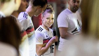 Nationalspielerinnen zu Gast bei der adidas Tango League Women