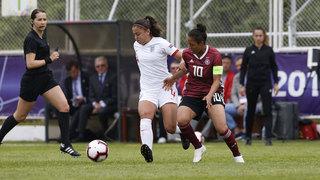 U 17-Juniorinnen feiern Auftaktsieg gegen England