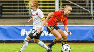 U 17-Juniorinnen gewinnen 4:0 gegen Spanien