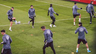 DFB-Team: Volles Programm in Düsseldorf