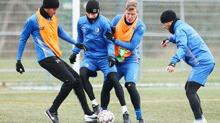 Fußball im Winter: Der kalten Witterung trotzen – aber richtig!