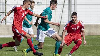 U 18 verliert zum Turnierauftakt gegen Serbien