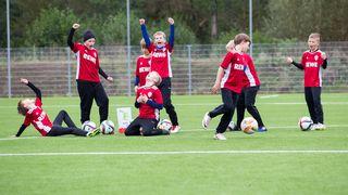 REWE unterstützt Fußball-Camps