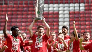FC Bayern II: Meister- und Spielerehrung