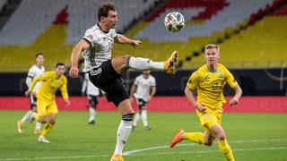 Wie Leon Goretzka im Länderspiel: Auch schwierige Zuspiele verarbeiten!