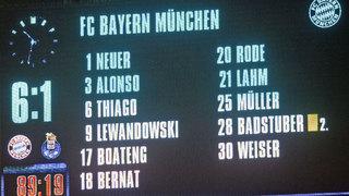 Bayern zieht furios ins Halbfinale ein
