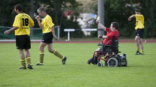 Frank Reinel: Der Schiedsrichter im Rollstuhl