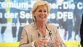 54er-Weltmeister und Silvia Neid für Lebenswerk geehrt