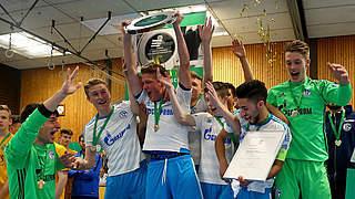 DFB-Hallenmeisterschaft: Schalke und Fortuna Köln siegen