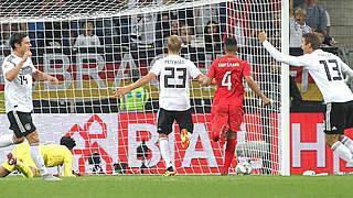 Video: Sieg gegen Peru dank Debütant Schulz