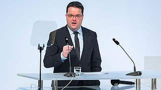 DFB-Schatzmeister Osnabrügge: Damit kann niemand zufrieden sein