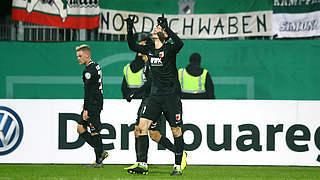 1:0 in Kiel: Gregoritsch schießt FC Augsburg ins Viertelfinale