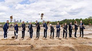 Spatenstich zum Bau des neuen DFB und seiner Akademie